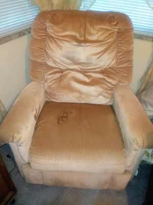 Free Recliner for Sale in Spring Hill, FL