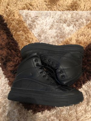 Nike ACG boots size 5 for Sale in Bloomington, IL
