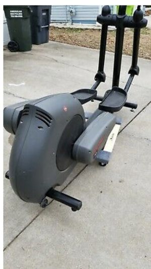 Life Fitness X9i elliptical for Sale in San Leandro, CA