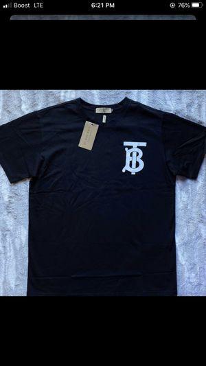 Burberry shirt for Sale in Roseville, MI