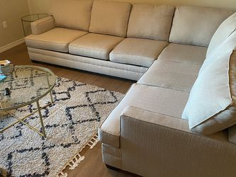 Living Spaces Sectional W/ Queen Sofa Sleeper for Sale in Phoenix,  AZ