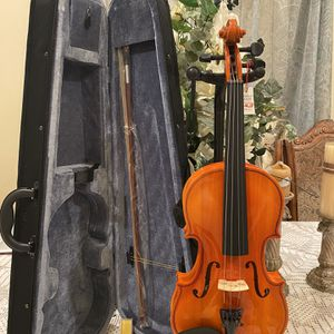 Fever Violin With Case Bow And Rosin for Sale in Bell Gardens, CA