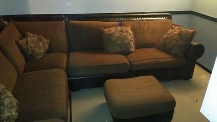 4 piece sectional .. pleather .. 5 pillows ... for Sale in Salt Lake City,  UT