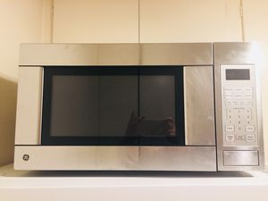 ***Moving Sale*** GE Microwave oven for Sale in Los Angeles, CA