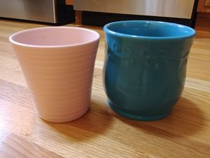 2 ceramic flower pots for Sale in Palatine, IL