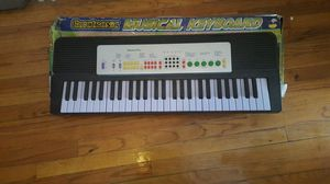 Electronic musical keyboard for Sale in Chicago, IL