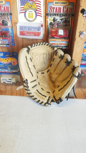 "Mizuno MVP Series, Fastpitch glove, 12"" for Sale in Whittier, CA"