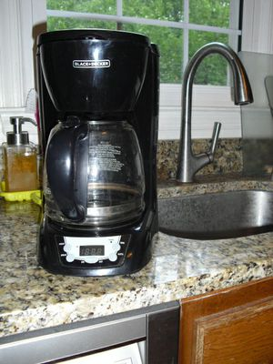 Black and Decker 12-cup Coffee Maker for Sale in Wheaton, MD