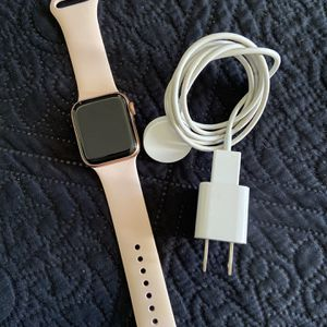 APPLE WATCH SERIES 5 for Sale in Rialto, CA
