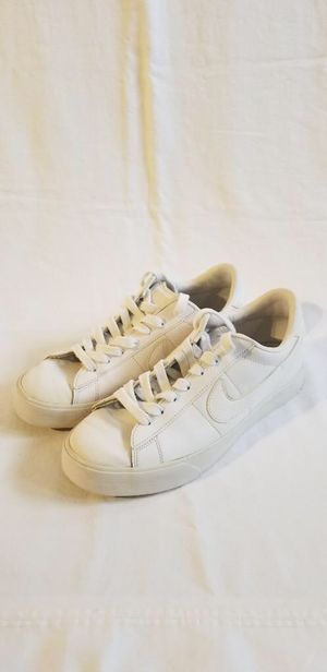 Mens size 8 Nike shoes for Sale in Hialeah, FL