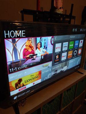 Tv lg de 55 inch smart chingosisima vien delgadita como nueba con garantia 350$ firmm lg smart 55 inch for Sale in Los Angeles, CA
