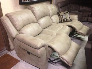 Electrical reclining sofa (very soft) for Sale in Orlando, FL