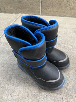 Boys snow boots - Size 11 (kids) for Sale in Norwalk, CA