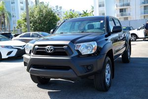 Toyota Tacoma PreRunner 2015 2WD for Sale in Miami, FL