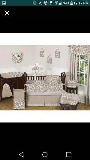 Sweet JOJO giraffe/safari baby nursery set for Sale in Pinon Hills, CA