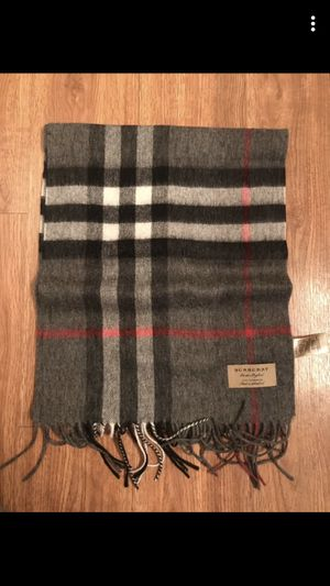 Burberry Scarf for Sale in Mount Prospect, IL