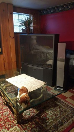 55 inch HD floor model tv. You pick up. Price reduction $80. Works very well. for Sale in Pittsburgh, PA