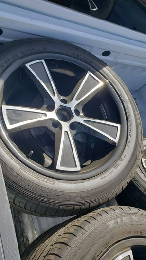 Eliminator boat trailer wheels 6 235/50/18 tires for Sale in Murrieta, CA