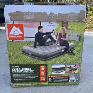 """Air Mattress Queen 14"""" with In & Out Pump for Sale in Annandale, VA"""