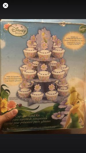 Disney cup cake stand holds 24 for Sale in El Centro, CA
