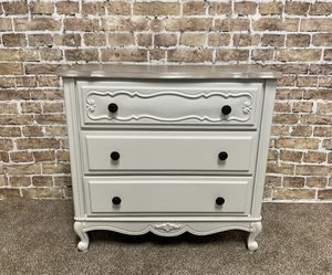 Vintage French Provincial Dresser for Sale in Temecula, CA