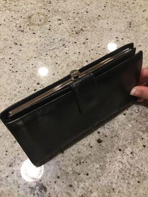 HOBO INTERNATIONAL black leather wallet for Sale in Seattle, WA