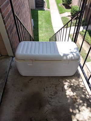 Very Large Igloo Cooler for Sale in Houston, TX