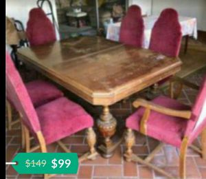 Antique dinning set table with china cabinet and chairs for Sale in Hollywood, FL