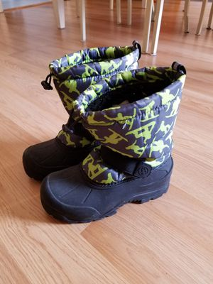 Big Kid Snow Boots size 3 for Sale in Brooklyn, OH