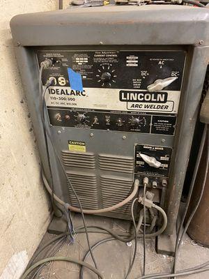 Pair of Lincoln Tig welders 300/300 for Sale in Cerritos, CA