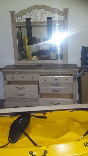 6 drawer dresser 4x6ft for Sale in Los Angeles, CA