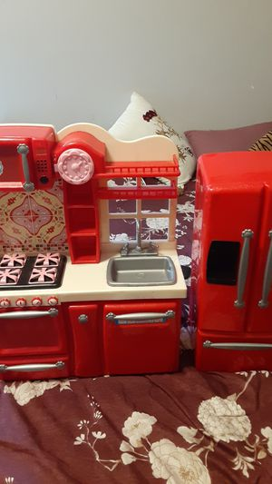 Beutiful Barbes little kitchen for Sale in Lakewood, CA