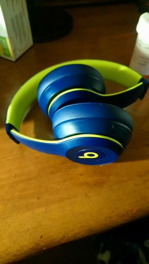 Wireless beats for Sale in Fresno, CA