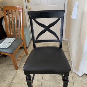 Black Tall Chair Perfect For Breakfast Bar Or High Table for Sale in Las Vegas, NV