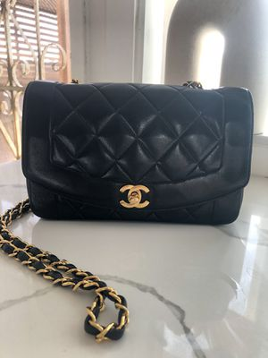 Chanel small vintage Diana for Sale in Foothill Ranch, CA