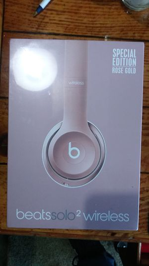 Beats Solo 2 Wireless Headphones, Rose Gold. ~FACTORY SEALED~ Limited Edition for Sale in Seattle, WA