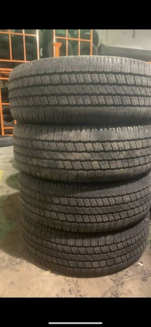 275/60/20 Good year with 90% Tread for Sale in Arlington, TX