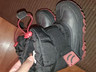 Snow Boots Size#9/10 Kids for Sale in Gilroy,  CA