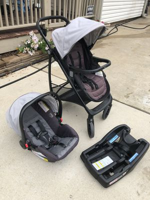 Graco Click Connect Travel System for Sale in Oak Brook, IL