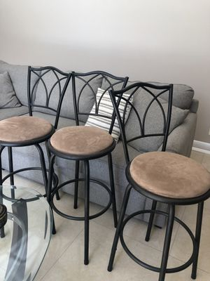 Kitchen stools set of 3 for Sale in Coral Springs, FL