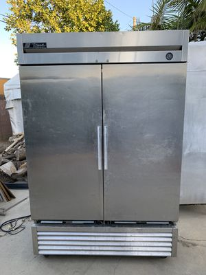 Commercial refrigerator and freezer. Needs repair for Sale in Buena Park, CA