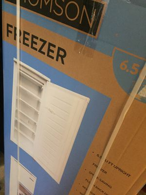 6.5 cu ft upright chest freezer New with 1 year manufacturers warranty. for Sale in Lutz, FL