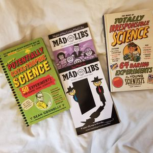 Book Bundle Mad Libs Science Homeschool for Sale in Niles, IL