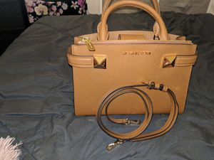 Micheal Kors Kellen Crossbody for Sale in Frederick, MD