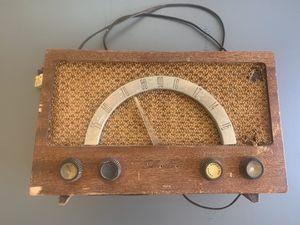 SILVERTONE 1017 WOODEN AM TABLE RADIO VACUUM TUBE for Sale in St. Petersburg, FL