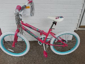 """Girls 20"""" bike for Sale in High Point, NC"""