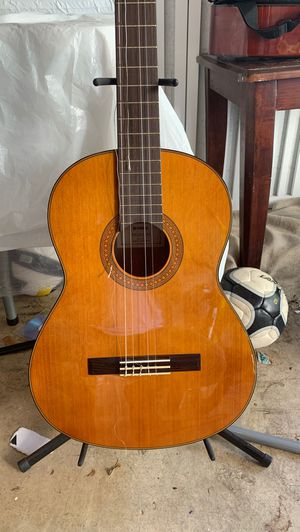 Yamaha CG142CH Classical guitar for Sale in Fort Lauderdale, FL