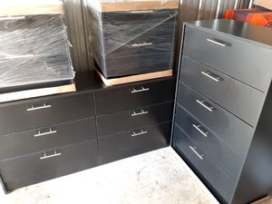 NEW PRETTY BLACK SET 4 PIECES DRESSER, CHEST AND 2 NIGHTSTANDS INCLUDED for Sale in Palm Beach Shores, FL