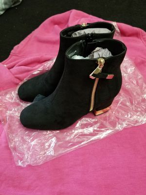 Womens Truffle boots 👢👢!!!! for Sale in Harvey, IL