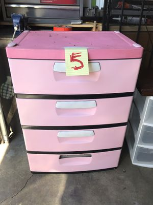 4 plastic pull out drawers for Sale in Los Angeles, CA